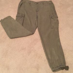 NWOT AMERICAN EAGLE OUTFITTERS TOMGIRL CARGO PANTS